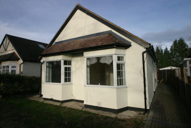 3 Bedroom Detatched Bungalow, Shepperton