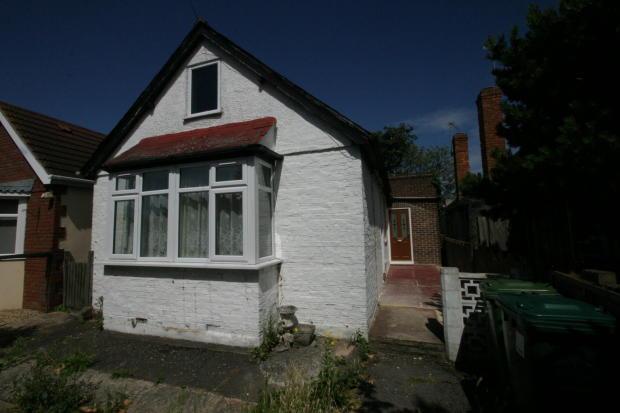 2/3 Bedroom Detatched Bungalow, Ashford