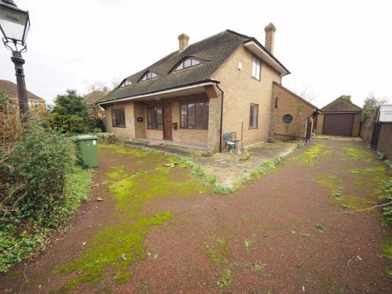 3 Bedroom Detached House, Ashford